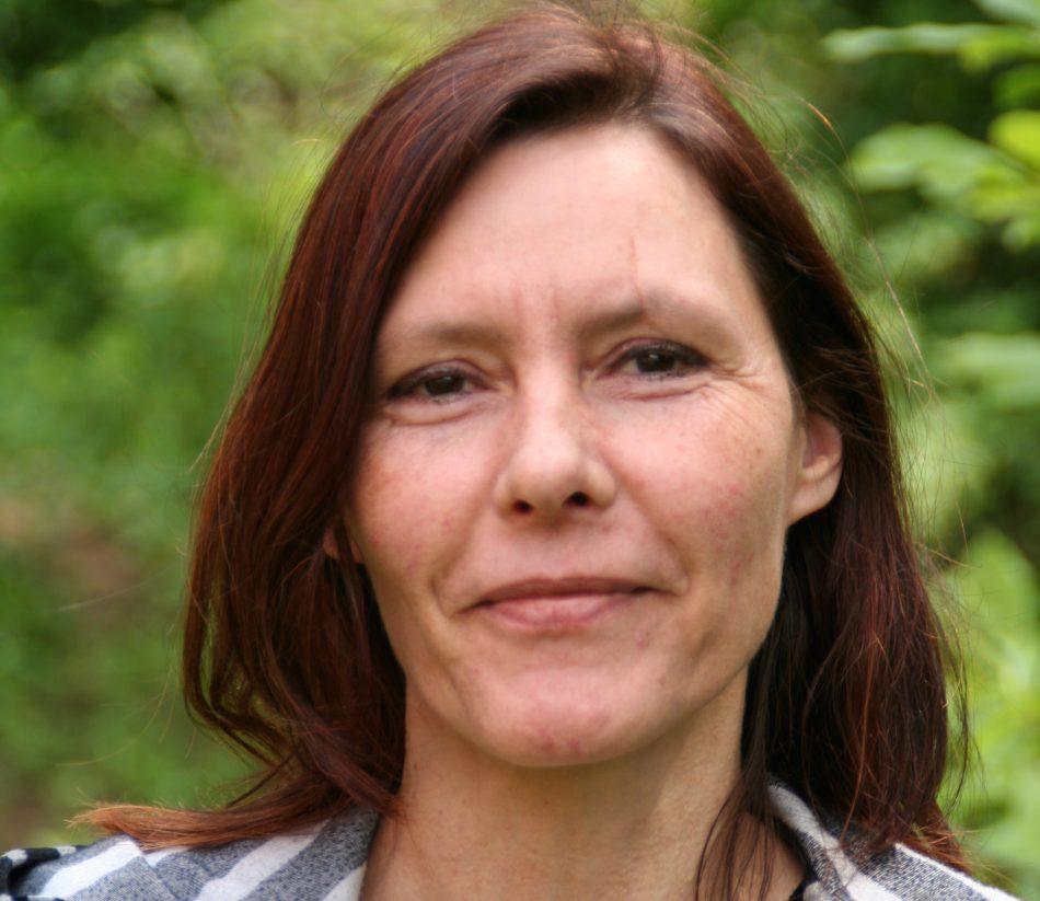 GRÜNE Landtagskandidatin Ulrike Siemens am Infostand